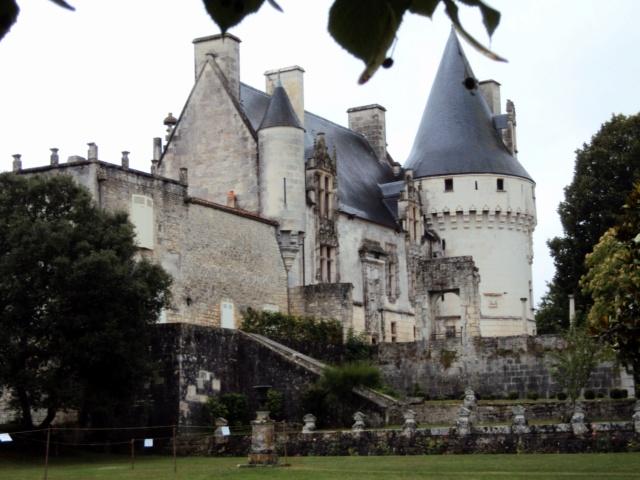 Château de Crazannes (Charente-Maritime / 17). Sainte17