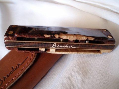 Les harmonicas BRODUR - Page 7 P1010016