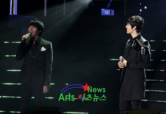 [photos] Hyung Jun at Jung Min's FanMeeting (22-1-2011) 16704010