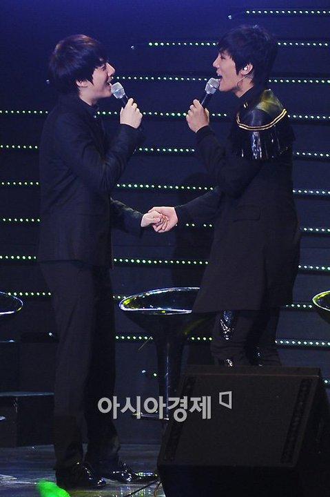 [news] Hyung Jun at Jung Min's FanMeeting (22-1-2011) 18018710