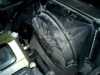 [ bmw E36 316i an 1996 ] problème de ventilateur radiateur(Résolu) Dsc00014