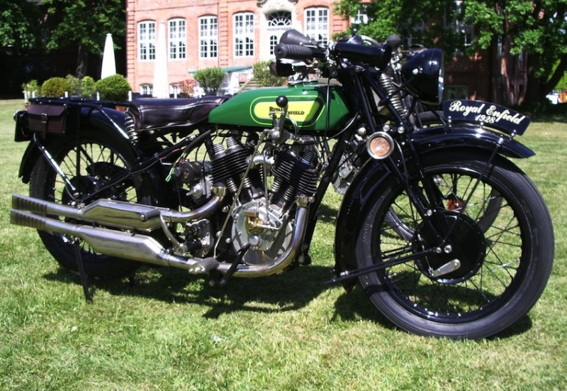 Les plus beaux V-Twins anglais, on peut les foutre ici 1928_r10