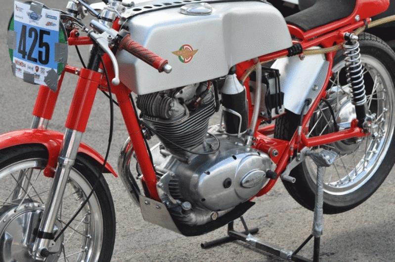 Ici on balance les Monos Ducati - Page 2 1966-d10