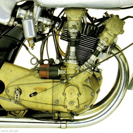 les plus beaux moteurs - Page 3 26992810