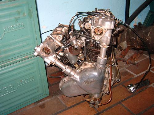 les plus beaux moteurs - Page 3 36784610