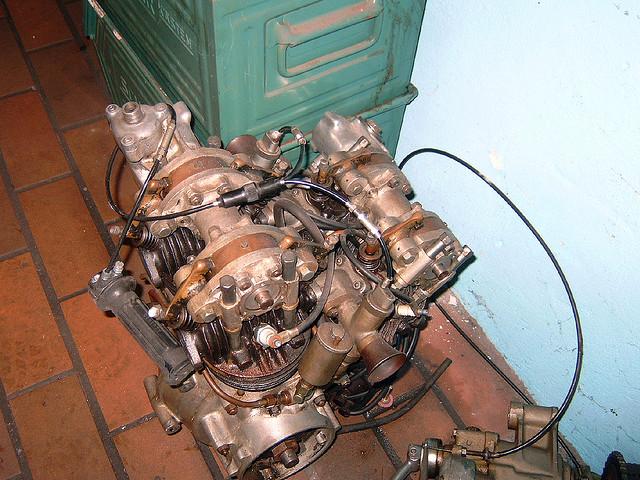 les plus beaux moteurs - Page 3 36791910