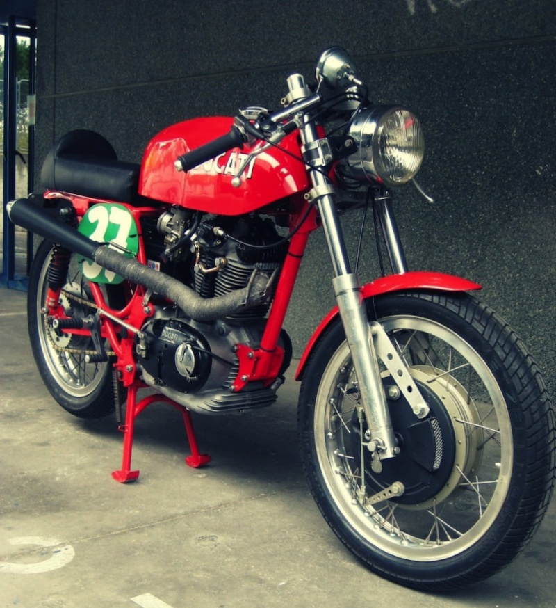 Ici on balance les Monos Ducati - Page 3 Ducati23