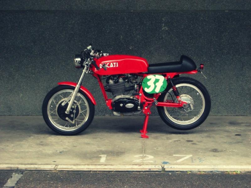Ici on balance les Monos Ducati - Page 3 Ducati25