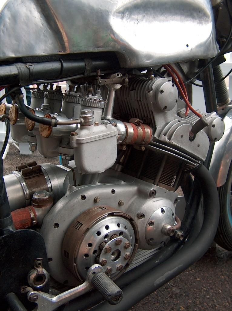 les plus beaux moteurs La_53_10