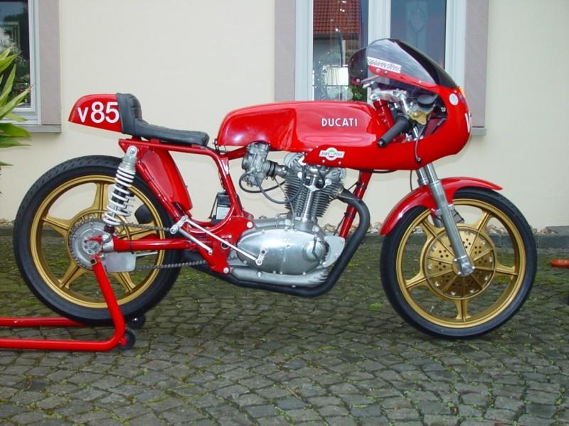 Ici on balance les Monos Ducati - Page 3 Liengm10