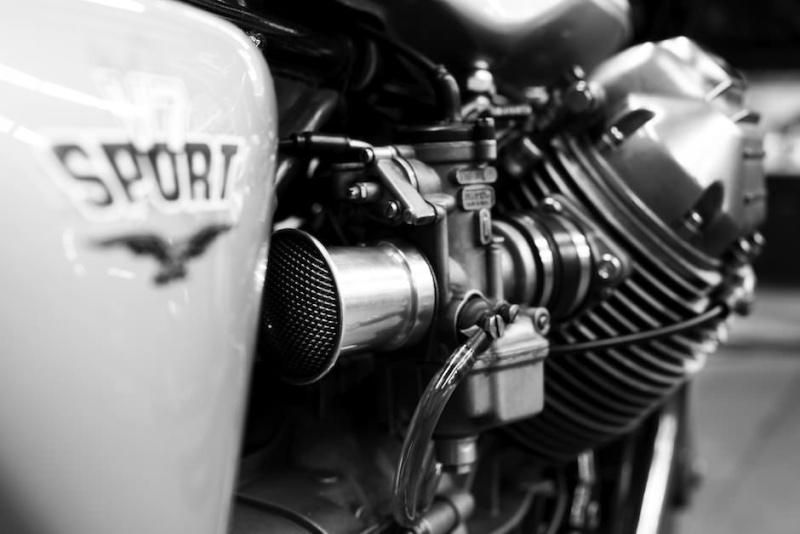 Guzzi... juste l'essentiel des Café Racer - Page 39 Moto-g16