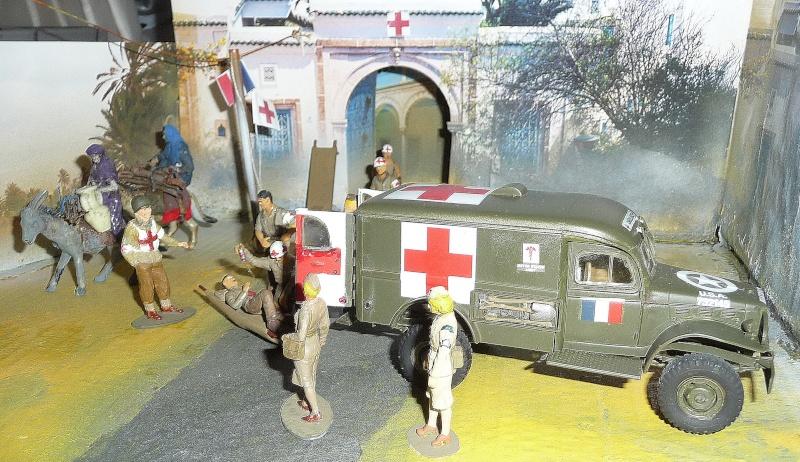 ITALERI 1/35-  AMBULANCE WC 54 -  1ére Armée française - P1040215