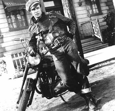 Une moto, une image. Quel film ? - Page 2 Equipe10