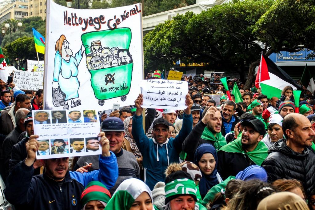 Actualités Algeriennes - Page 30 Algeri10