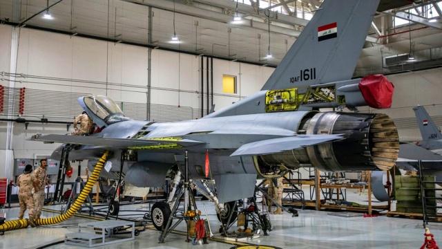 Armée Irakienne / Iraqi Armed Forces - Page 38 F-16iq10