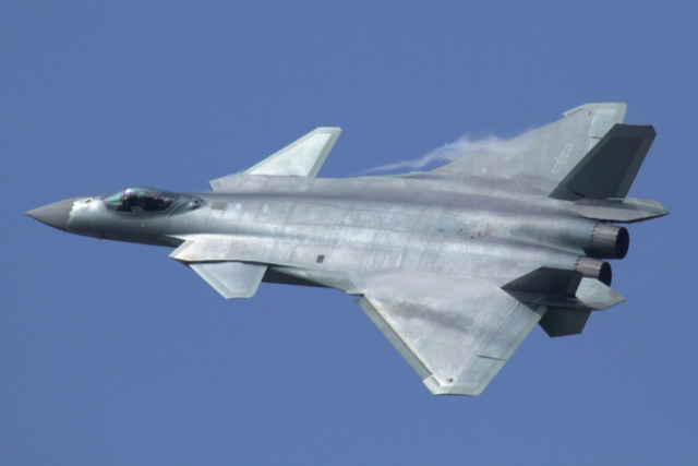 Missile Air-Air (Documentation) - Page 2 J-20_a10