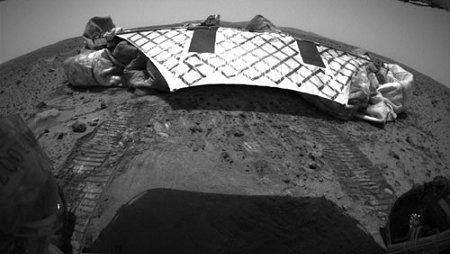 Image NASA : Base OVNI SUR MARS ? Mars-r10