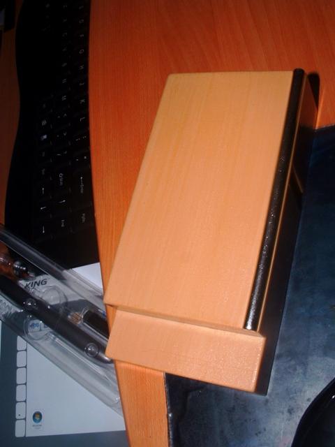 post your fingerboard case/box - Page 6 Dscf0015