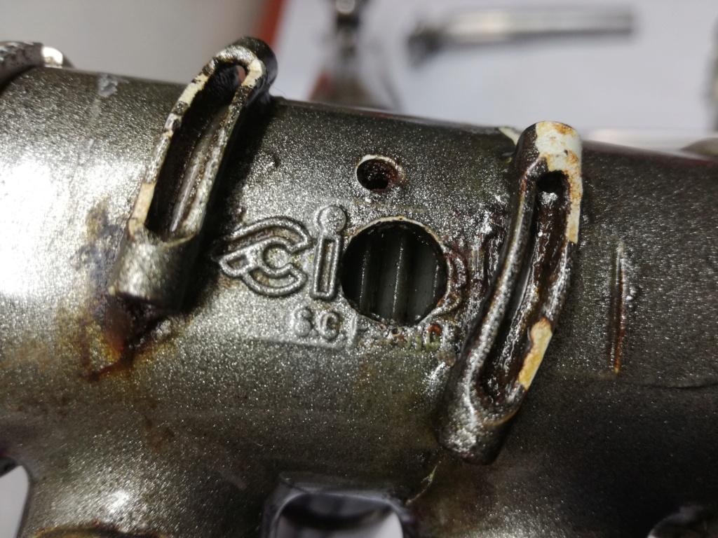 Comment retrouver le fabricant de ce vélo Img_2011