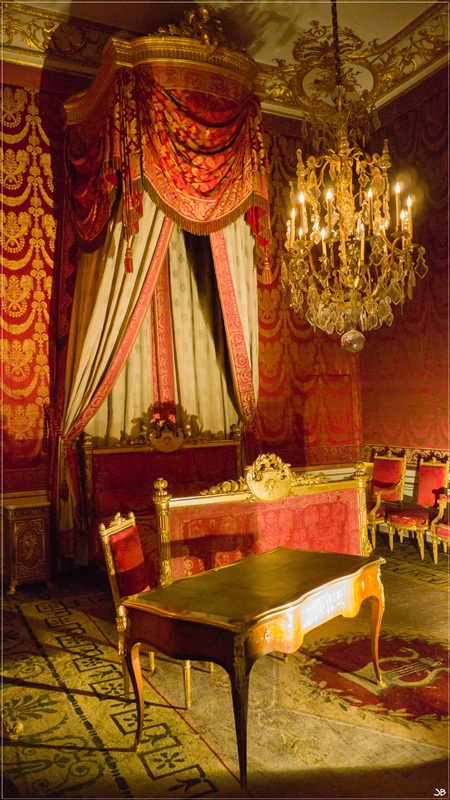 Fontainebleau : le mobilier Lr4-p148