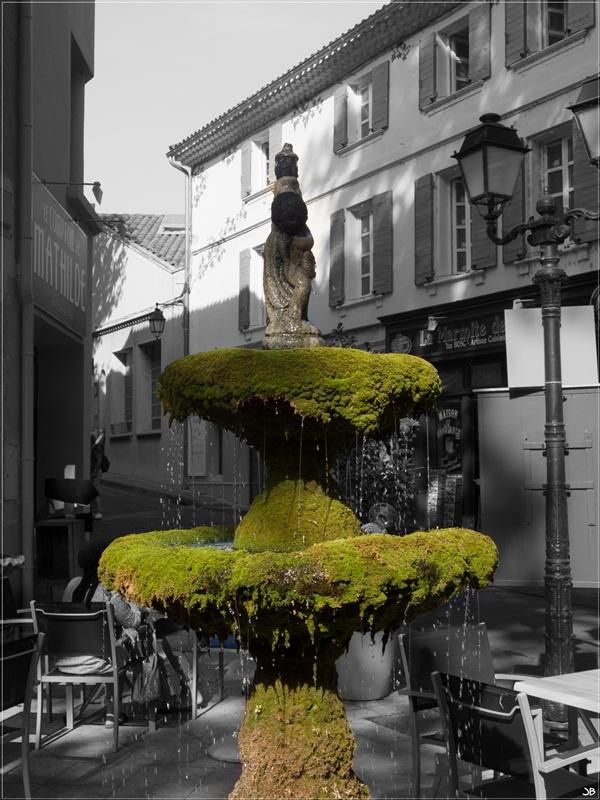 Vaucluse: Fontaine de Vaucluse Lr4-p955
