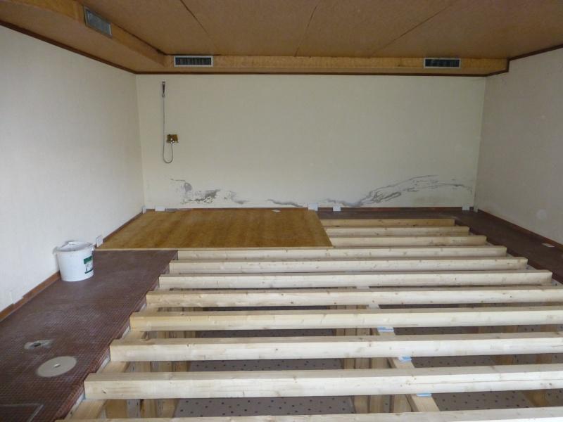 Un nouvel atelier à Pierre ( pili ) P1000021