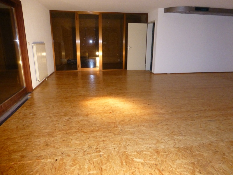 Un nouvel atelier à Pierre ( pili ) P1000214