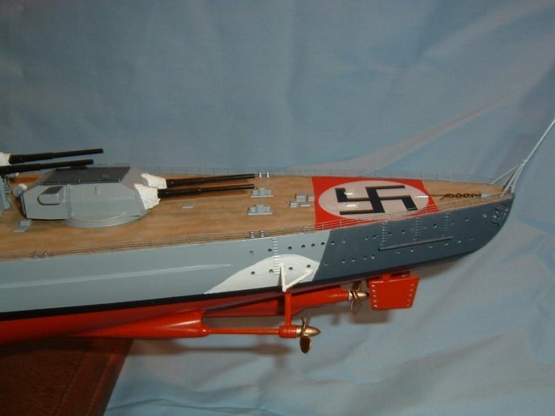 Le Bismarck au 1/350° par Alain MOITROT.  Bis35017
