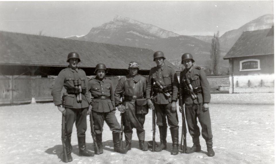 Soldats allemands en cantonnement à Solutré ou Chambery ? Solutr12