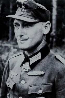 Diplômes d'un Officier Panzergrenadier-Lehr-Regiment 901 Normandie1944 Wesche10
