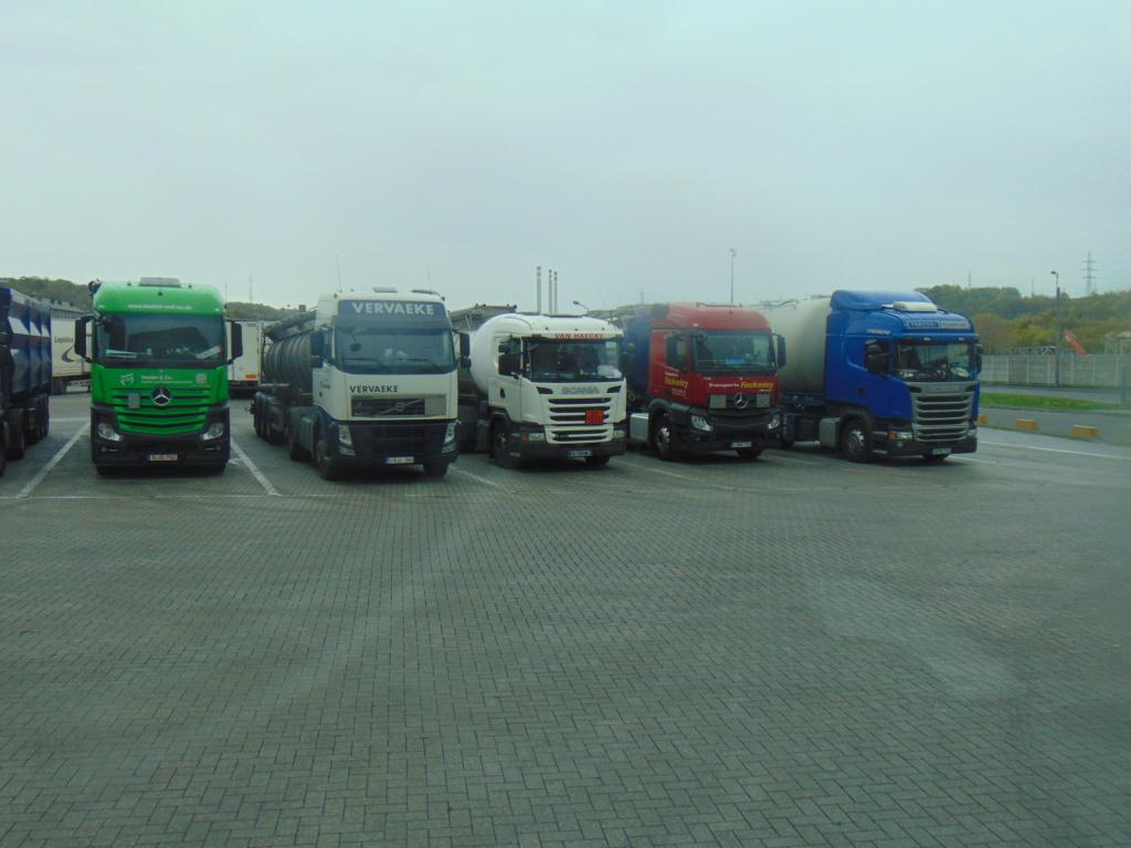 Photos avec plusieurs camions - Page 36 Dsc00014