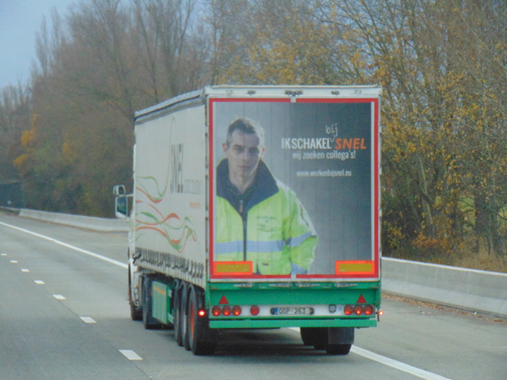 Photos avec plusieurs camions - Page 36 Dsc00117