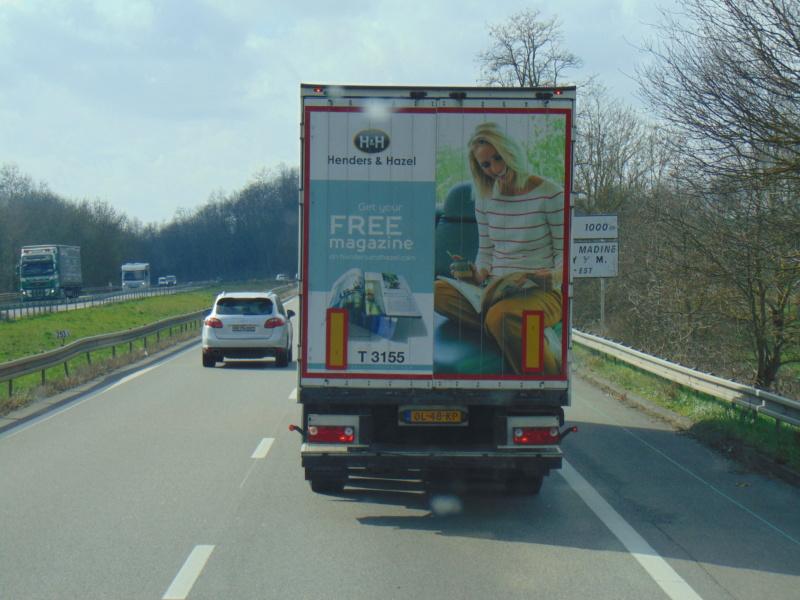 La publicité sur les camions - Page 37 Dsc00221