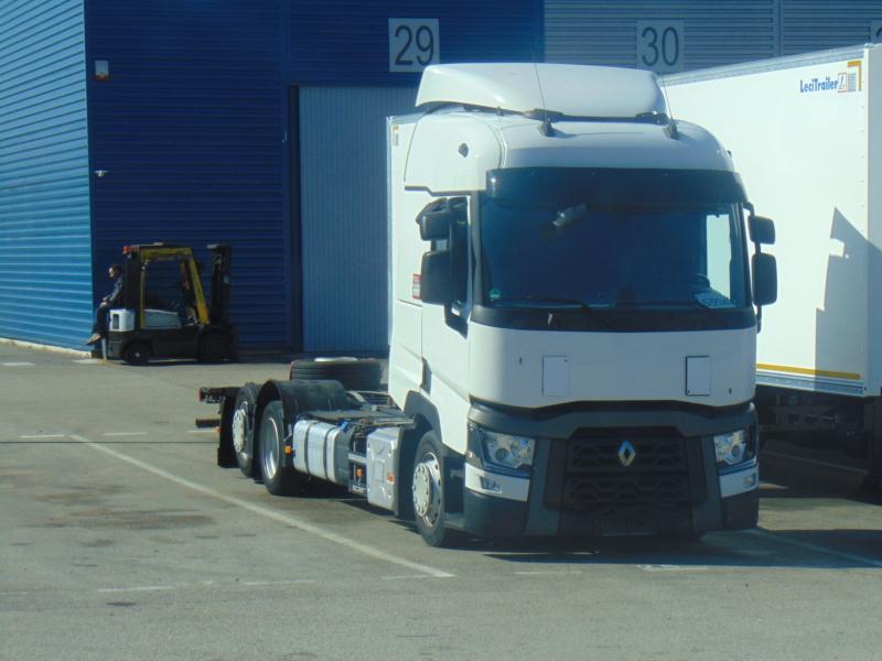 Renault série T (euro 6) - Page 6 Dsc00417