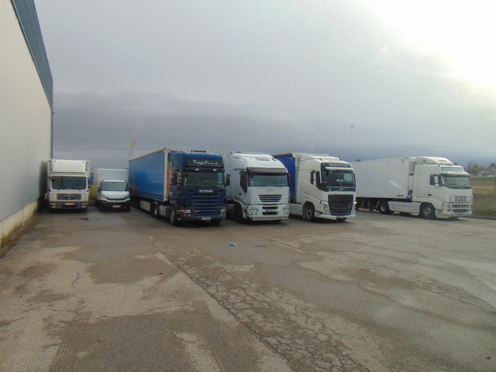 Photos avec plusieurs camions - Page 40 Dsc00588