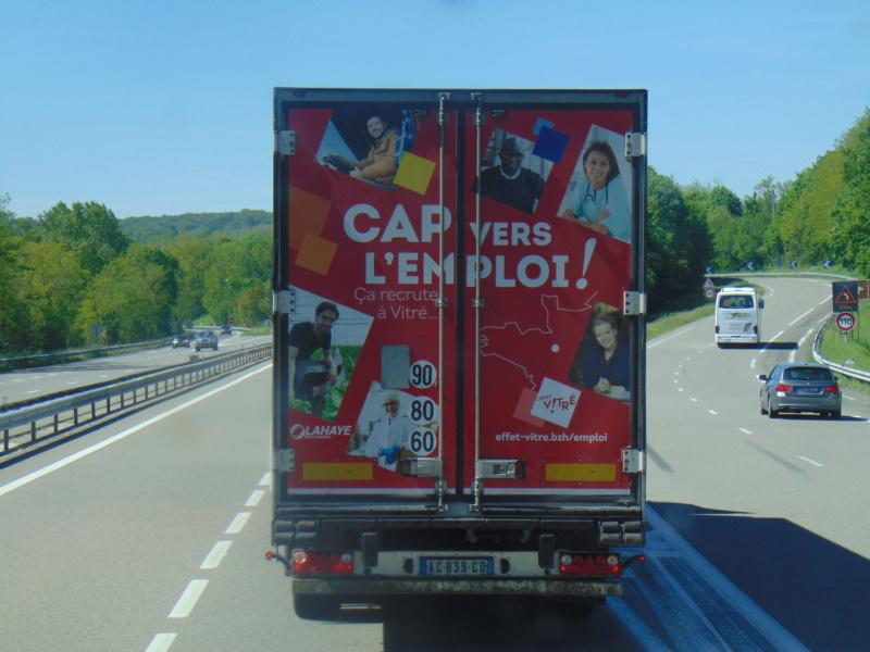 La publicité sur les camions - Page 37 Dsc00620