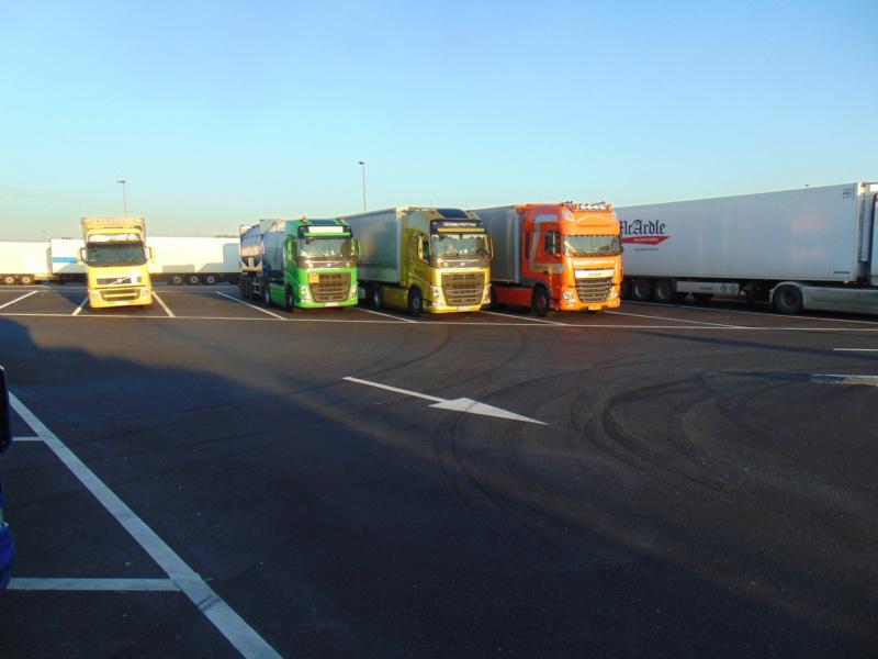 Photos avec plusieurs camions - Page 39 Dsc00634