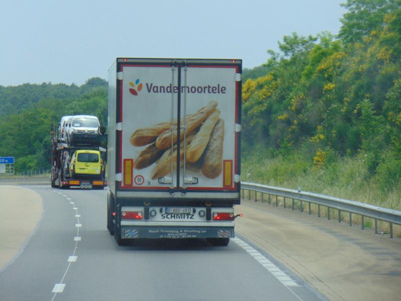 La publicité sur les camions - Page 37 Dsc00713