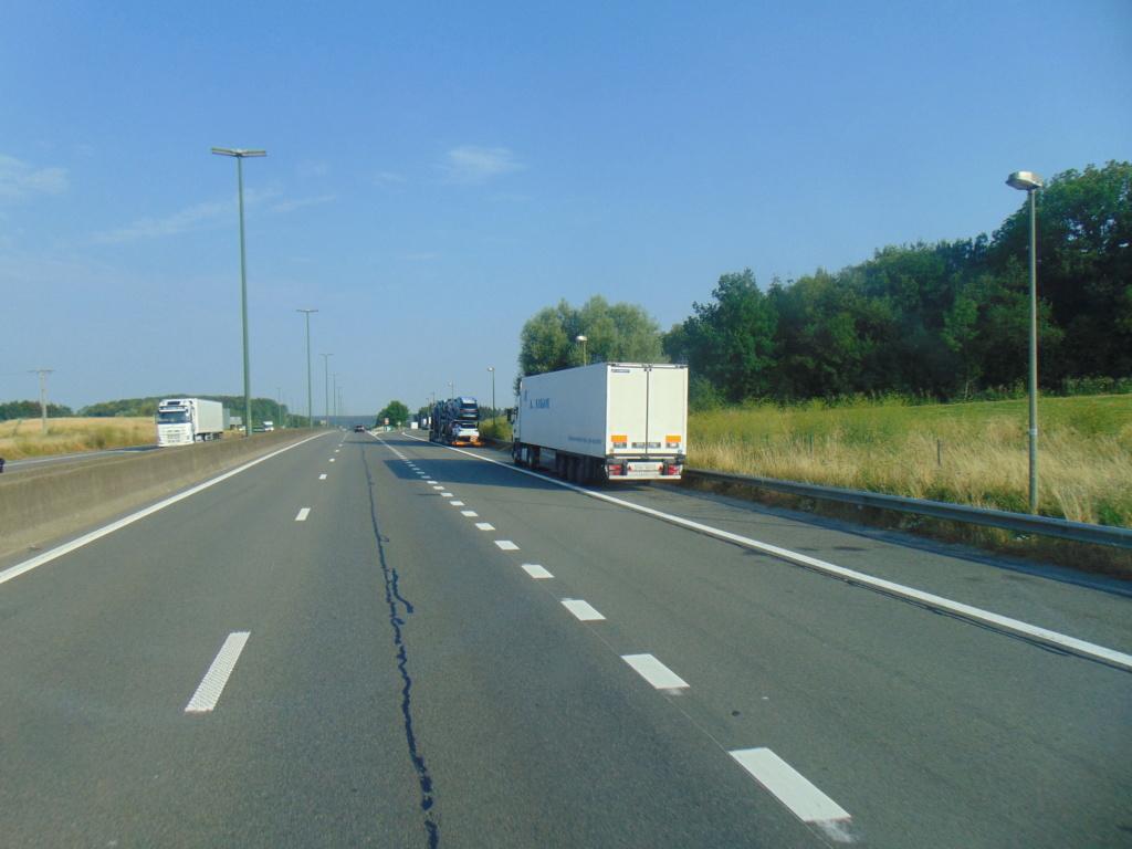Les parkings d'autoroutes - Page 28 Dsc01228