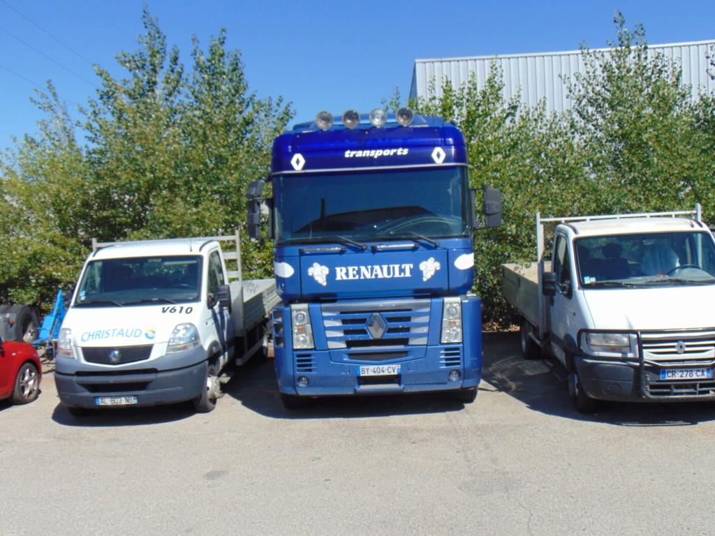 Renault AE et Magnum - Page 16 Dsc01717