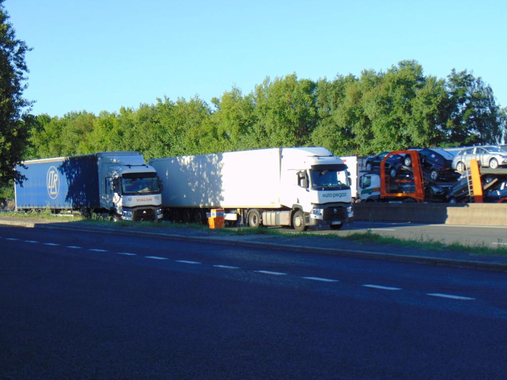 Photos avec plusieurs camions - Page 36 Dsc02037