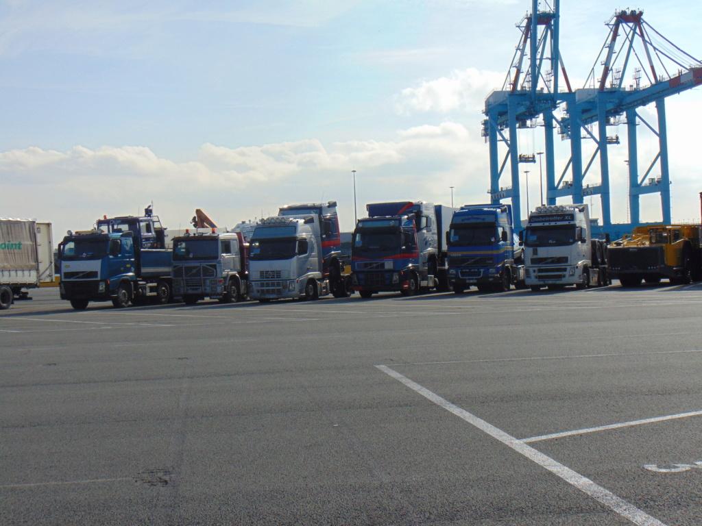 Photos avec plusieurs camions - Page 36 Dsc02213