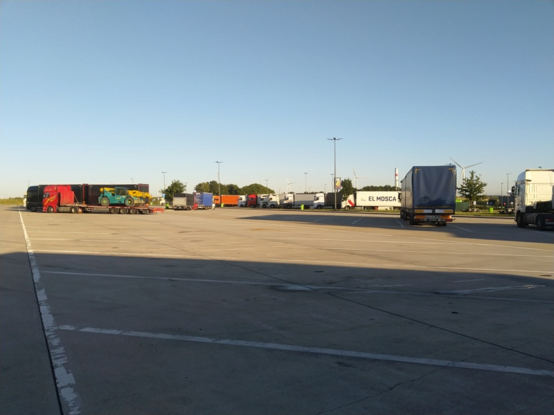 Photos avec plusieurs camions - Page 39 Img_2075