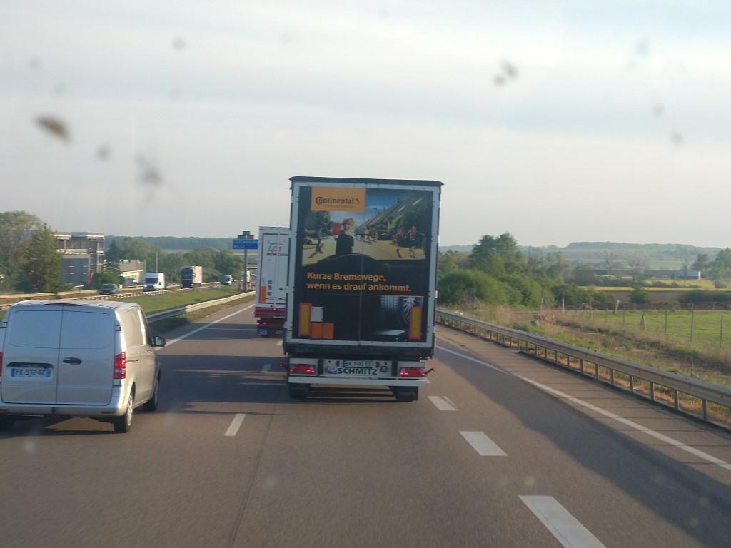 La publicité sur les camions  - Page 40 Img_2238