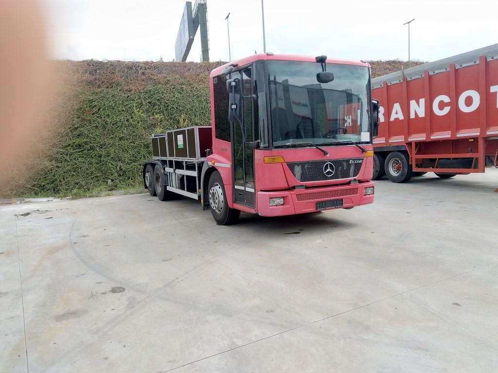 Mercedes Econi Img_2288