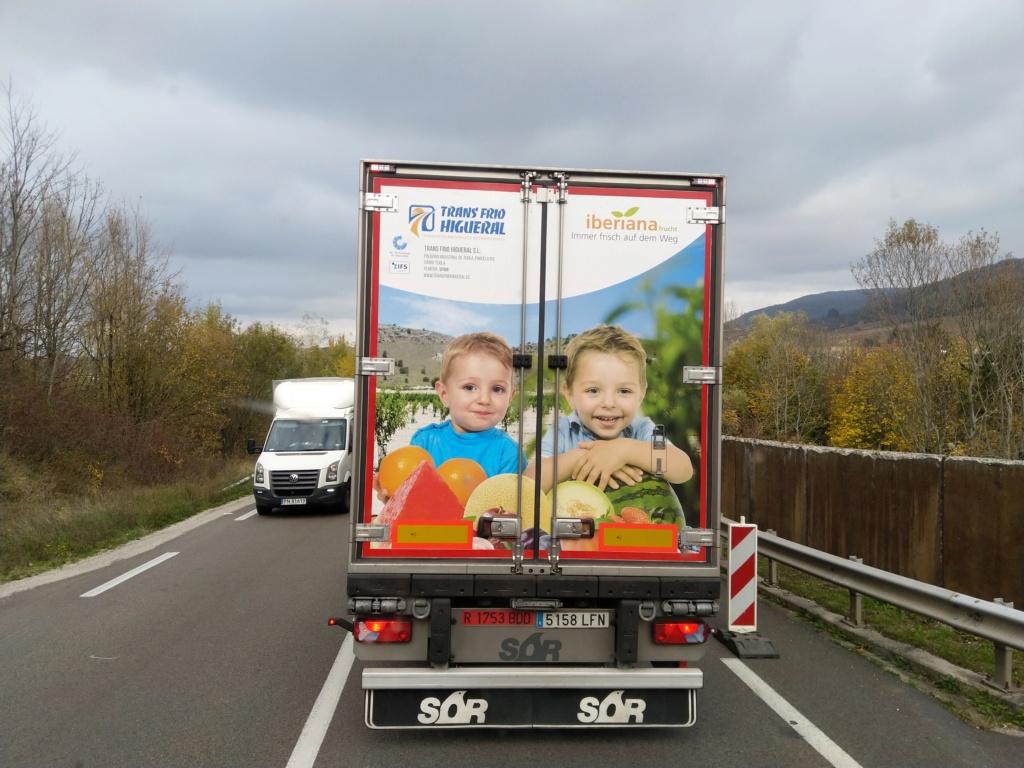La publicité sur les camions  - Page 41 Img_2356