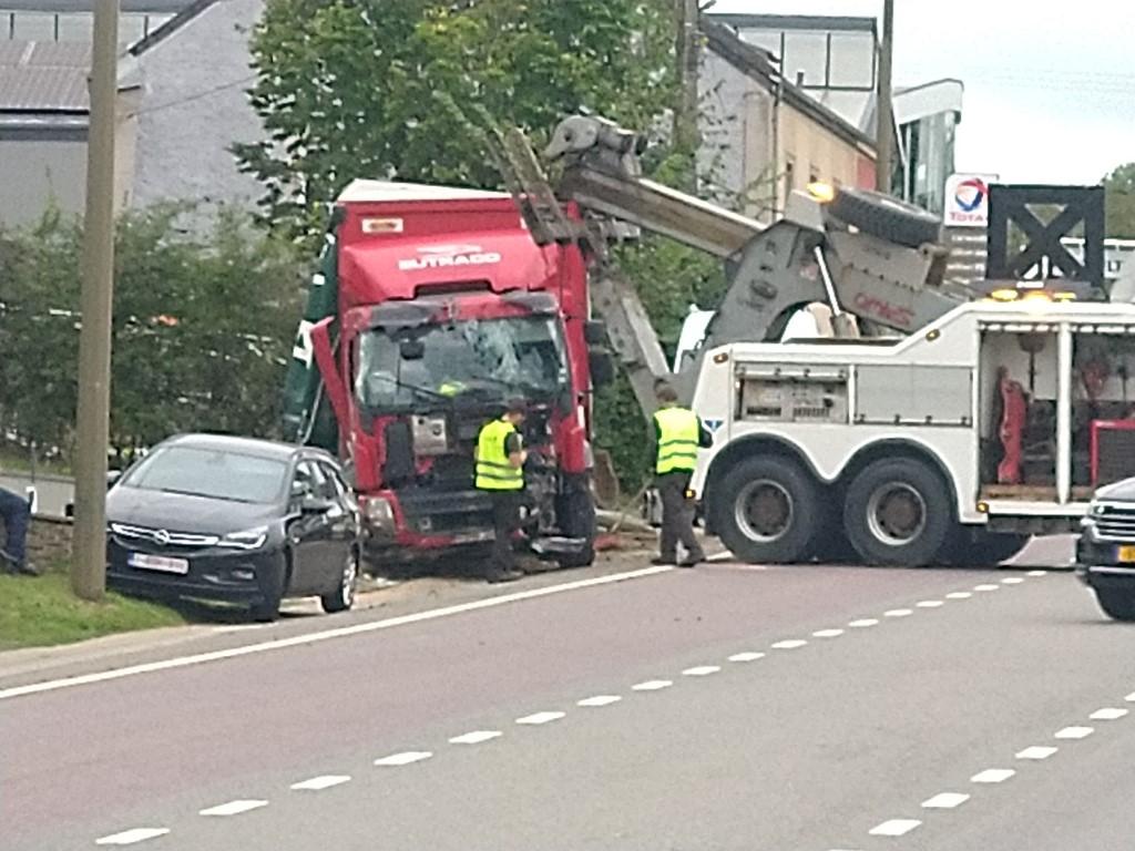Accident à Arlon sur la N4 Img_2448