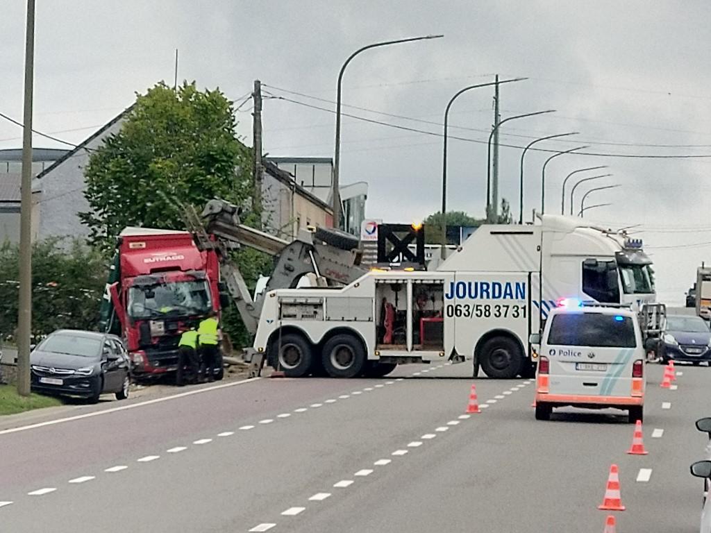 Accident à Arlon sur la N4 Img_2449