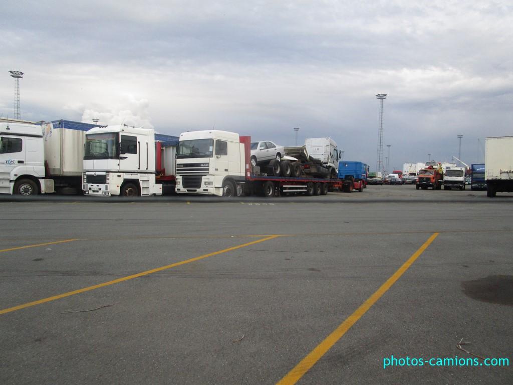 Photos avec plusieurs camions - Page 42 Photos16