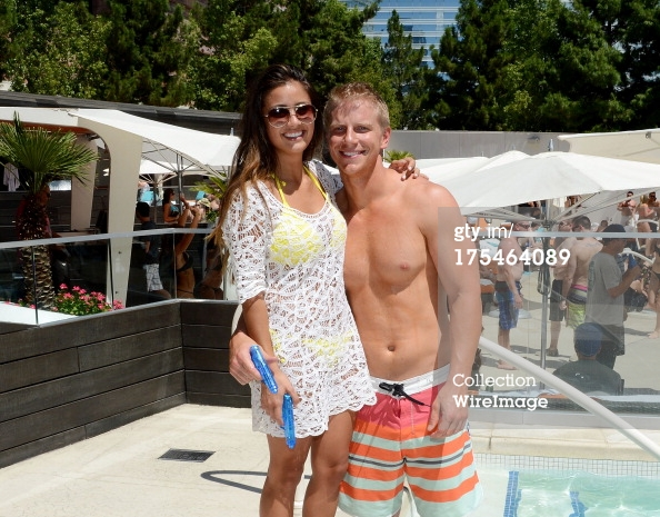 Sean & Catherine Lowe - Pictures - No Discussion - Page 5 17546421